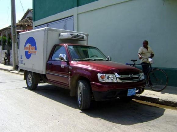 Los camiones sustituidos por las camionetas fueron a su vez remotorizados y se destinaron a otras funciones de carga. Foto: Héctor Carballo Hechavarría