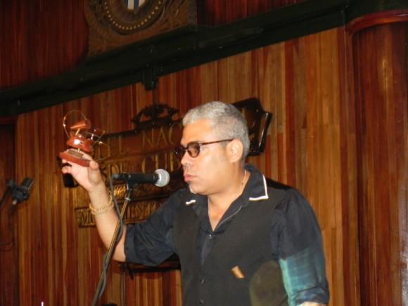 César López obtuvo Premio en la categoría de Grabación en vivo. Foto Marianela Dufflar/Cubadebate