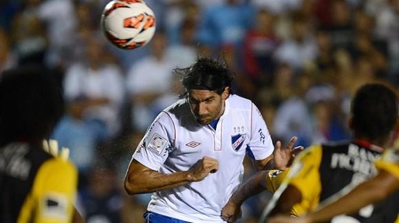 Sebastián Abreu, 37 años. Hizo parte del conjunto uruguayo que logró el cuarto lugar en Sudáfrica 2010. Esta vez el entrenador Tabárez no lo tuvo en cuenta, a pesar de su buen desempeño en Rosario Central. © AFP Pablo Porciuncula