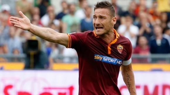 Francesco Totti, 37 años. El capitán de la Roma, cuya retirada de las canchas parece cercana, no fue convocado por Prandelli. © REUTERS Stefano Rellandini