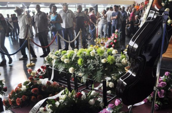 Funeral de Formell, en el Teatro Nacional. Foto: Granma