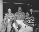 Mercedes, entonces directora de RHC, Cary Carro, de Bohemia y en el fondo para no variar Iraida. Todas estaban en la EXPO de Sevilla cuando estuvo el jefe en el 92.