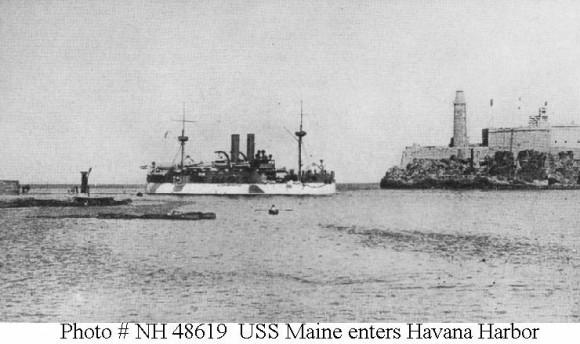 El Maine en el Puerto de La Habana.