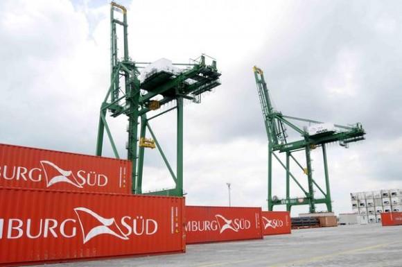 Grúas pórtico de descarga a muelle, modelos STS (ship-to-shore), en la Terminal de Contenedores del Mariel, en la provincia de Artemisa, Cuba, el 23 de mayo de 2014.   AIN FOTO/Roberto MOREJON RODRIGUEZ