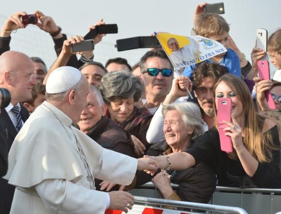 El Papa Francisco visita Guidonia Montecelio, cerca de Roma, en marzo de 2014. Foto: Getty