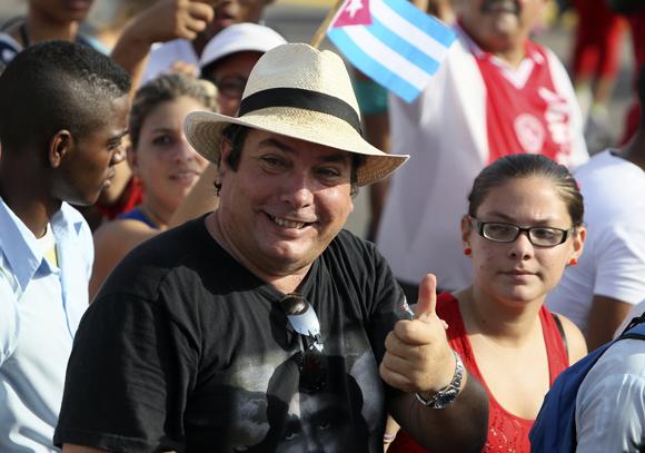 Raúl Capote, ex agente de la Seguridad del Estado en el desfile por el 1ro de Mayo en La Habana. Foto: Ladyrene Pérez/Cubadebate.