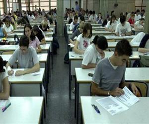 Gobierno puertorriqueño cerrará un centenar de escuelas