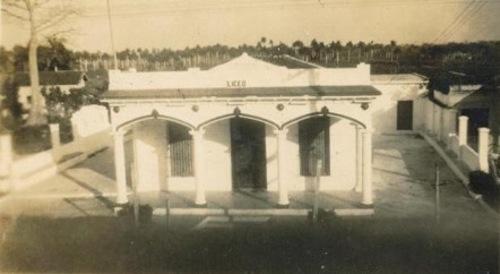 La Sociedad de los blancos se inauguró en 1919 y la de los negros poco después.