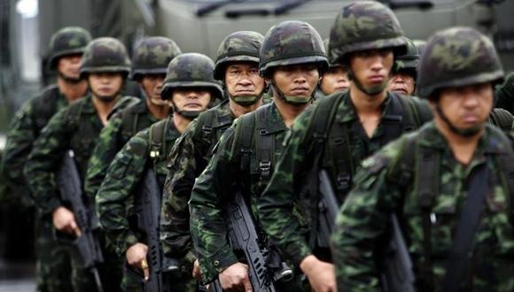 El Ejército declaró la ley marcial luego de seis meses de protestas contra el gobierno,