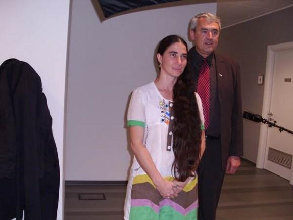 Yoani Sánchez y Gordiano Lupi en La Stampa. Foto tomada del blog de Gordiano Lupi.