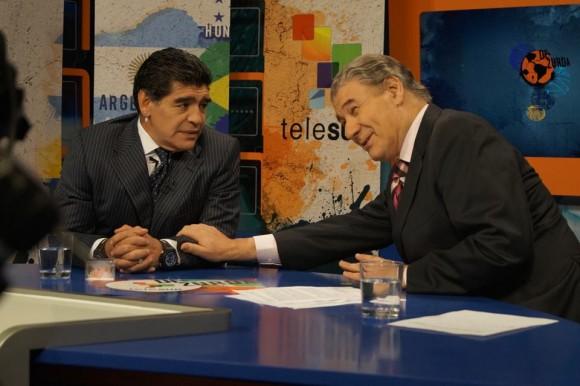 Maradona y Víctor Hugo en De Zurda. Foto del sitio del programa en Facebook