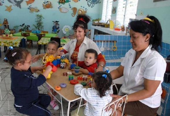 Pedagogos cubanos de la educación especial. Foto de Archivo