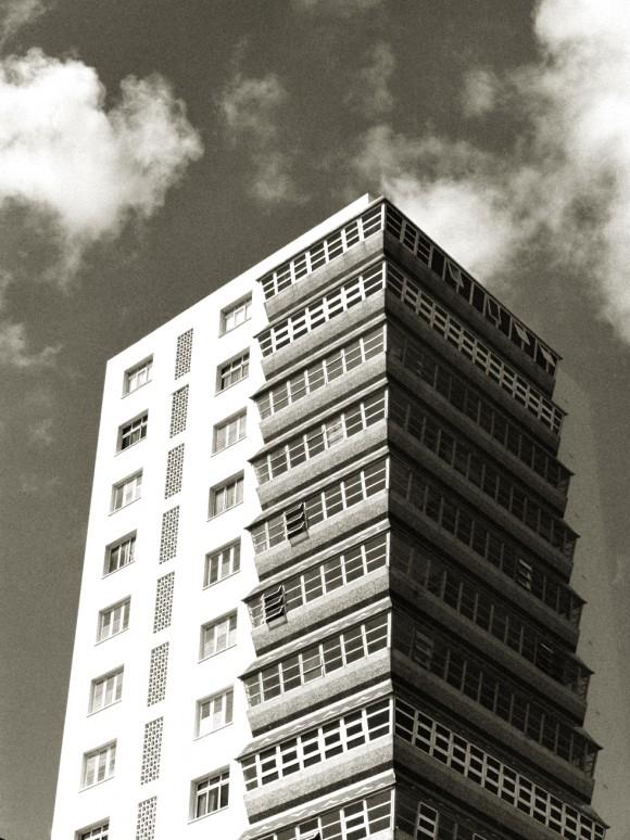 El edificio de los sarcófagos. Foto Martin Bezdomny