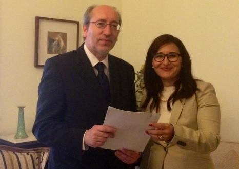 Entrega carta Diputado Antonio Filipe a Embajadora de Cuba