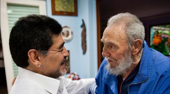 Fidel Castro y Maradona para portada