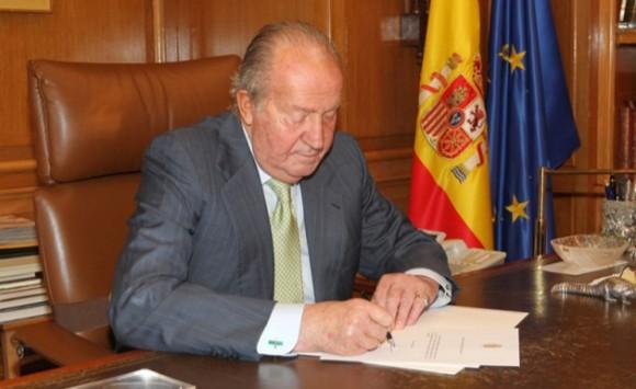 [Image: Firma-Rey-Juan-Carlos-580x355.jpg]