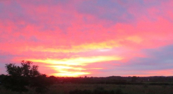 Imagen tomada en las afueras de Bayamo durante el amanecer del 20 de septiembre de 2013. Foto: Juan Carrrazana