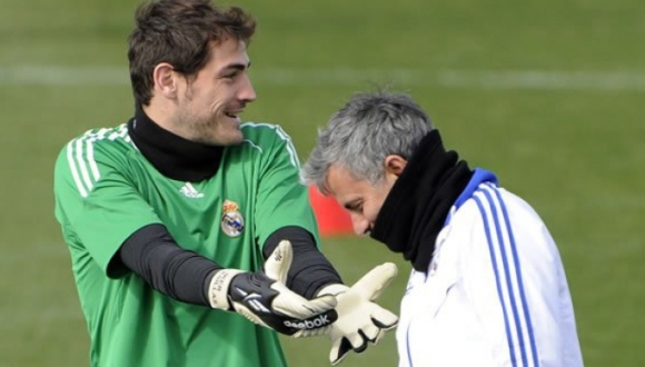Iker-Casillas-Jose-Mourinho