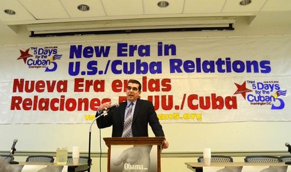 José Ramón Cabañas, jefe de la Oficina de Intereses de Cuba en Estados Unidos. FOTO: Bill Hackwell.