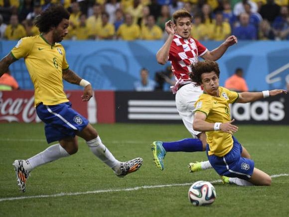 Marcelo hace, en propia puerta, el primer gol del Mundial