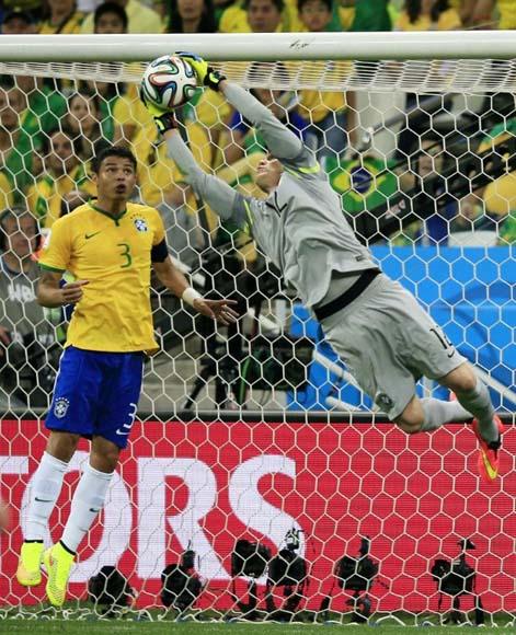 Partido Brasil-Croacia en inauguración del XX Mundial
