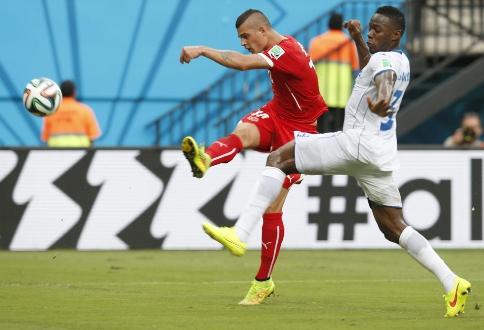 Suiza supera 3-0 a Honduras y avanza a octavos de final del Mundial