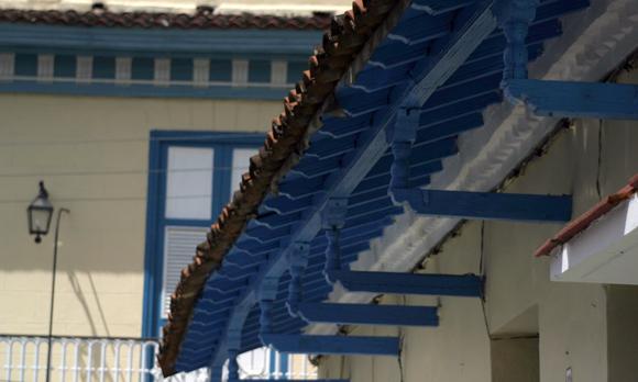 Los aleros decorados distinguen a Sancti Spíritus. Serie Una ciudad testigo del tiempo.Foto: Daylén Vega/Cubadebate