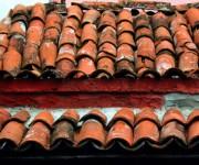 Los techos de tejas que distinguen a Sancti Spíritus. Serie Una ciudad testigo del tiempo.Foto: Daylén Vega/Cubadebate
