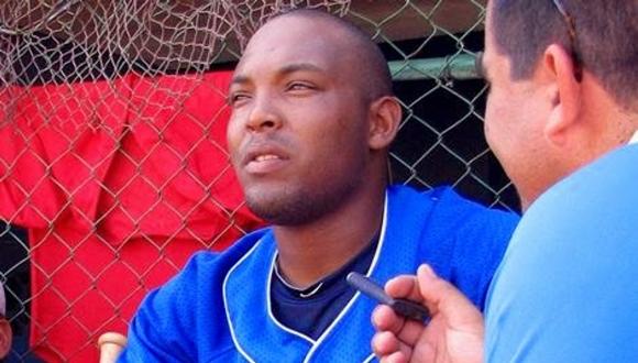 Lo cierto es que el industrialista Yasmani Tomás no jugará más pelota en Cuba porque decidió apostar su rumbo a las Grandes Ligas de Estados Unidos.