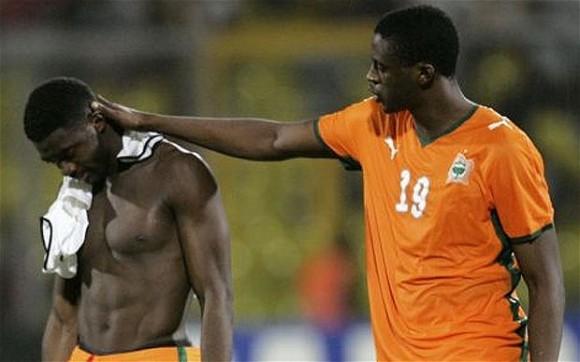 Yaya (arriba) y Kolo recibieron la noticia horas después de la derrota contra Colombia por 2-1.