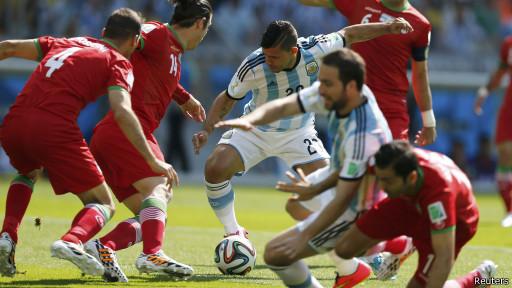 Partido de Argentina contra Irán. Foto: Reuters.