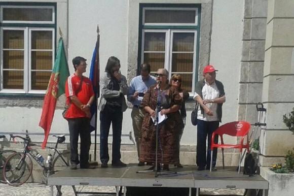 Armanda Fonseca, Presidenta de la Asociación de Amistad informó a los presentes de la celebracion y evolución de la Jornada en Washington y los resultados de la Conferencia de Londres. Foto: EmbaCuba Portugal/Cubadebate