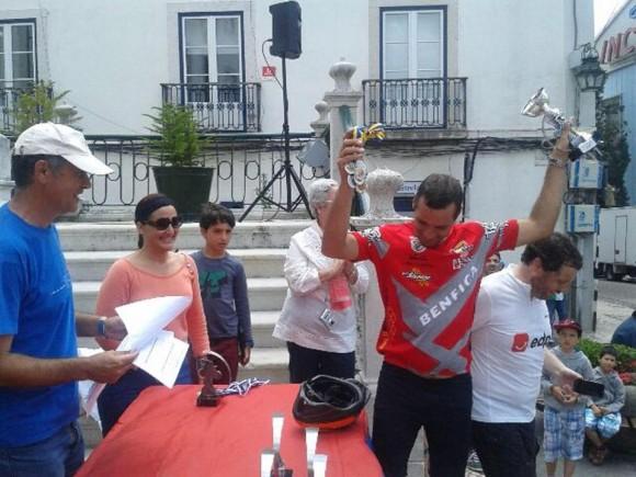 Reconocimiento a los participantes en la Caravana Ciclística por los Cinco y la Revolución Cubana en  Portugal, el 8 de junio de 2014. Foto: EmbaCuba Portugal/Cubadebate