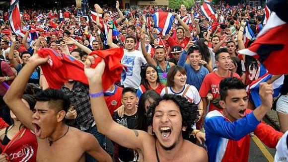 Costa Rica celebra con fervor la victoria histórica