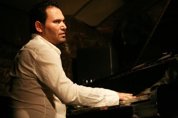 Roberto Álvarez Cracumbele