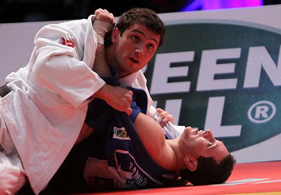 Varlam Liparteliani de Georgia ganó el oro frente al brasileño Thiago Camilo, en  Grand Prix de Judo La Habana 2014. Foto: Ismael Francisco/Cubadebate.