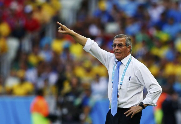 Uruguay's coach Oscar Tabarez gestures during their 2014 World Cup Group D soccer match against Costa Rica at the Castelao stadium in Fortaleza