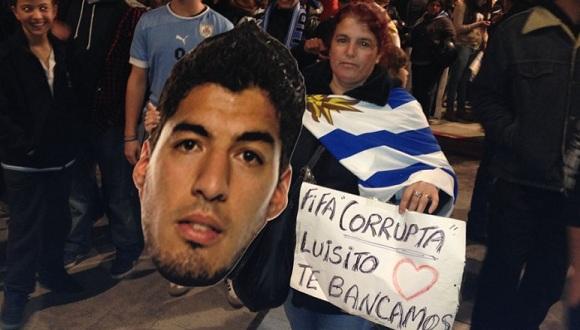 Uruguayos esperan el regreso de Luis Suárez. FOTO: El Observador de Uruguay.