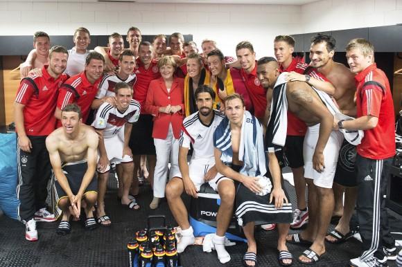 merkel con equipo alemán