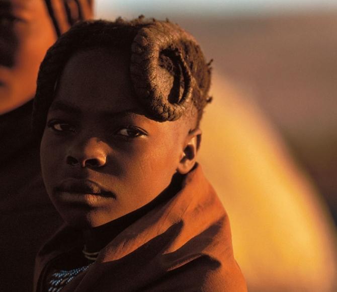 nomadas-en-el-desierto-de-namibia-1633