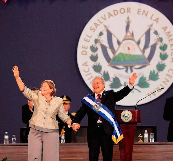 El nuevo presidente asumió el cargo para el período 2014-2019, el segundo consecutivo del Frente Farabundo Martí para la Liberación Nacional (FMLN), en sustitución de Funes, de cuyo Gobierno Sánchez Cerén fue el vicepresidente. Foto: EFE