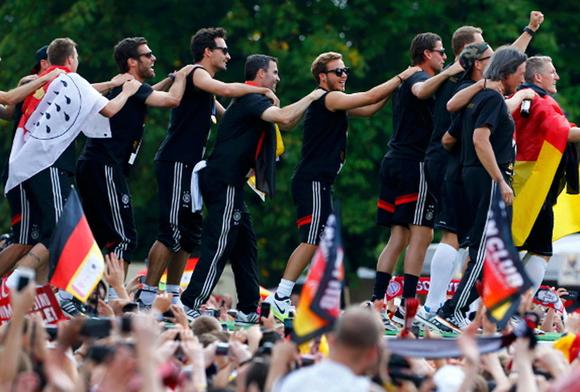 Alemania-Berlin-Mundial-Copa_del_Mundo_MILIMA20140715_0045_3