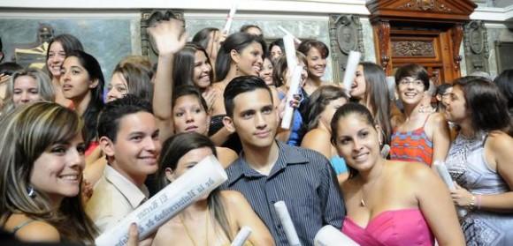 Graduación de alumnos de  la Facultad de Comunicación de la Universidad de La Habana, realizada en el Aula Magna de ese centro de altos estudios, el 10 de julio de 2014.  AIN FOTO/Abel PADRÓN PADILLA