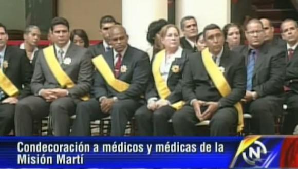 Condecoracion-medicos-cubanos-mision-marti-6-6-615x473