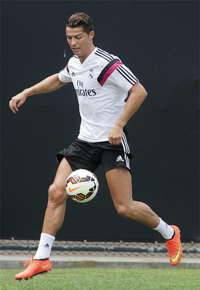Cristiano Ronaldo se entrena para debutar frente al Manchester ... 497bbeeb8900e