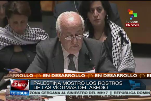 El Embajador de Palestina en la ONU, Riyad Mansour lee los nombres y la edad de los niños asesinados en Gaza. Foto: Telesur/ Twitter