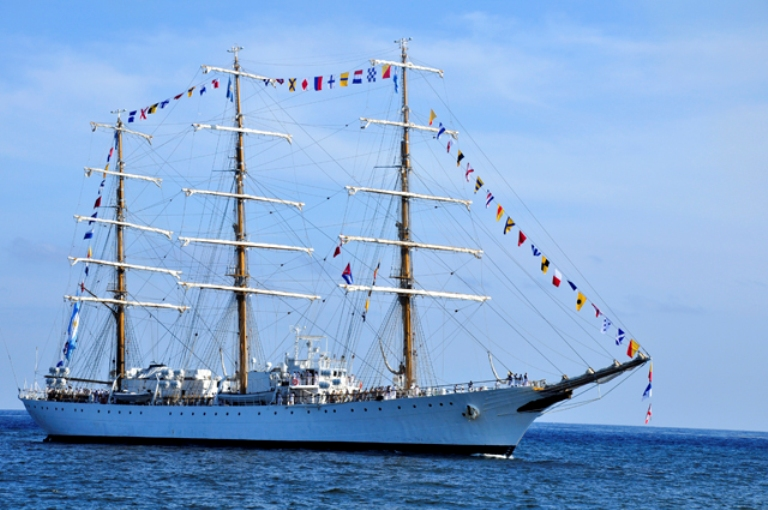 Fragata Libertad de la Armada Argentina en visita a Cuba.