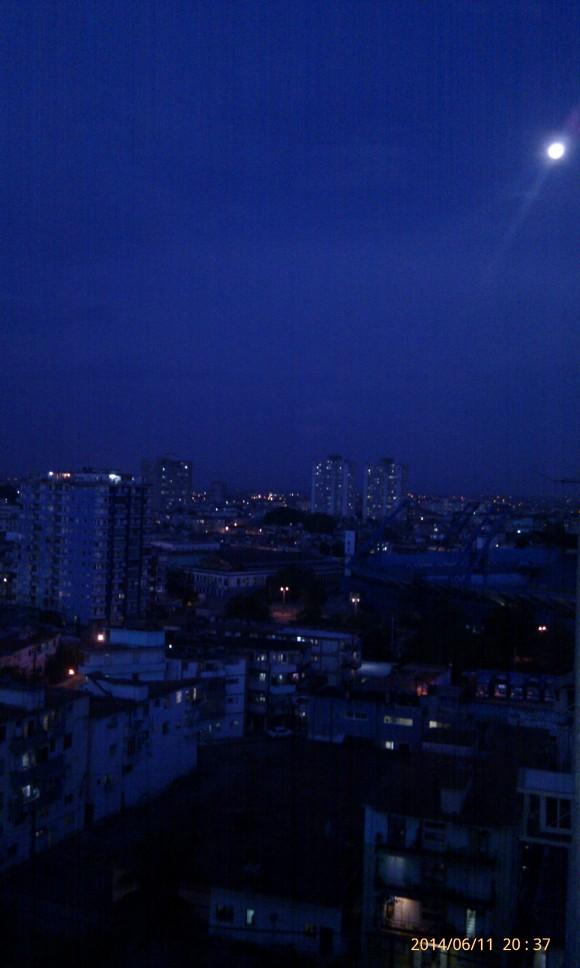 Luna sobre La Habana Foto: Manuel E. Segura Hervas