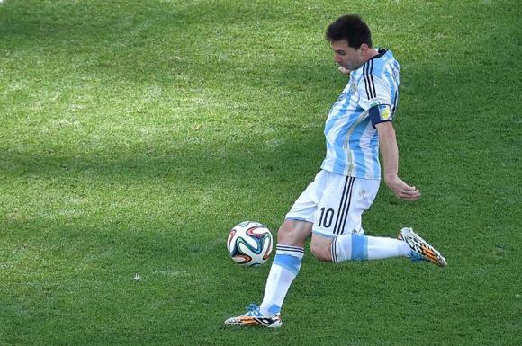 Messi dispara