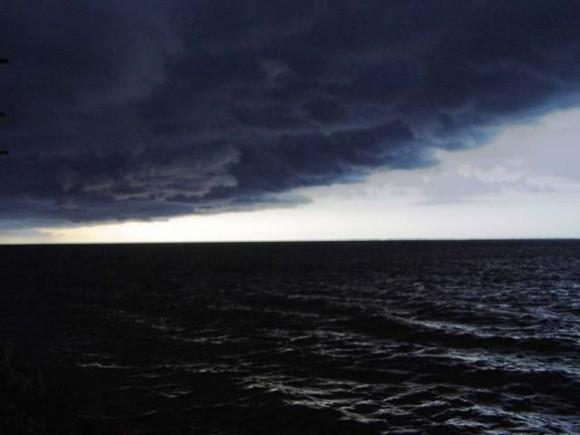 Nubes de tormenta en playa de Punta Alegre, municipio Chambas. Foto: Dr. José Vidal González Calleja